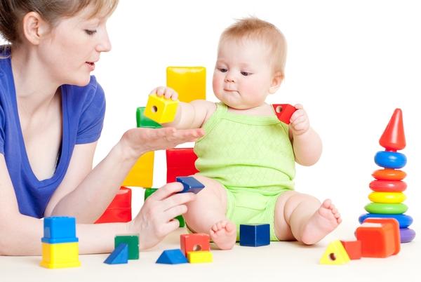 Игры и занятия с ребенком в 7 месяцев